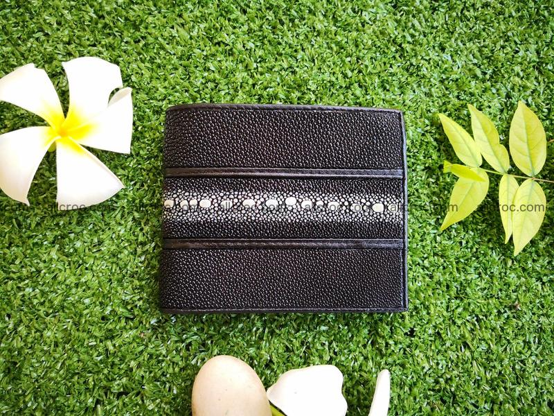 Row stone stingray leather wallet 393