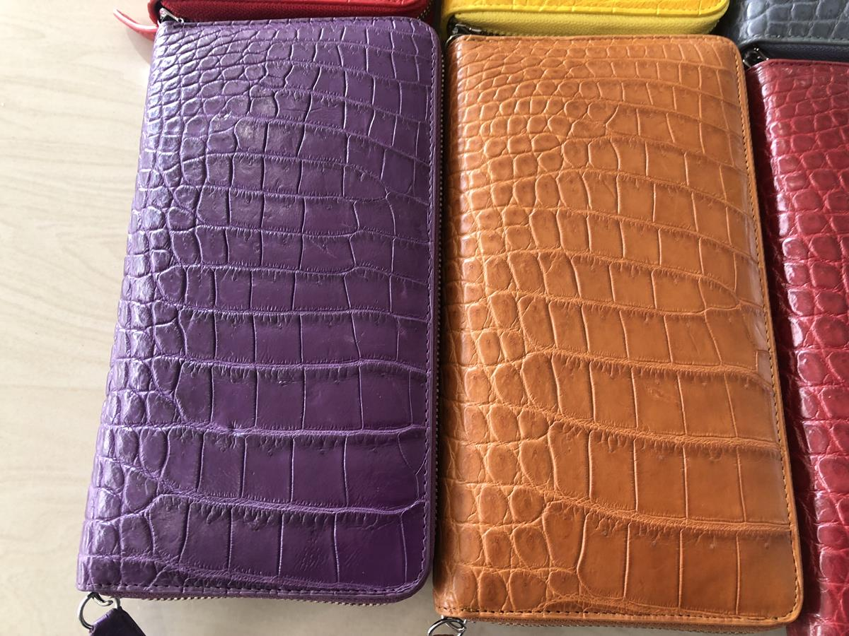 womens Crocodile skin wallet 1 zip 11.jpg