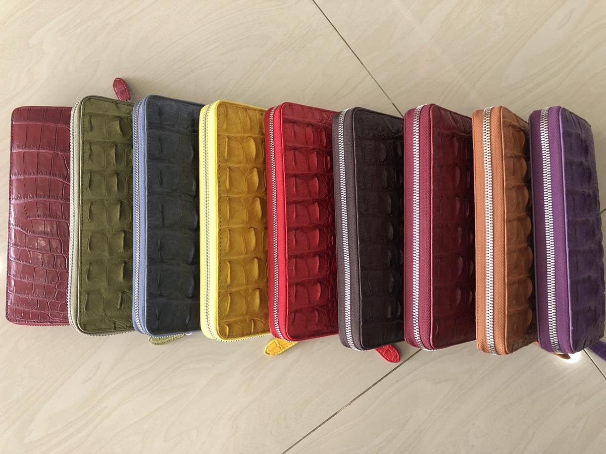 Crocodile skin wallet with zip 13.jpg